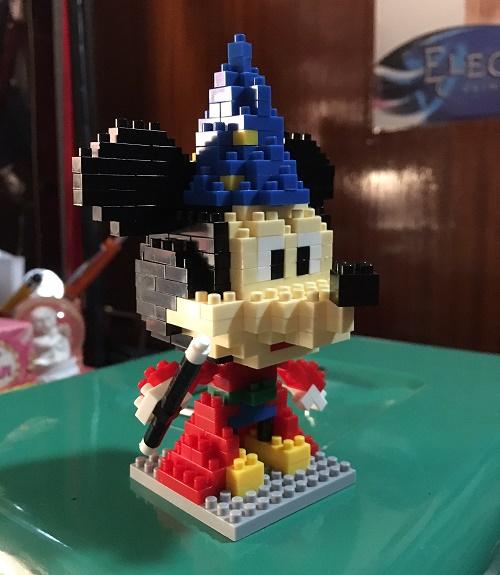 Mickey-Magician (2)